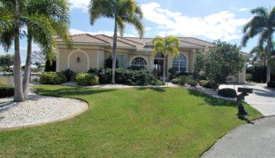 2447 St. Davids Island Court, Punta Gorda, FL 33950