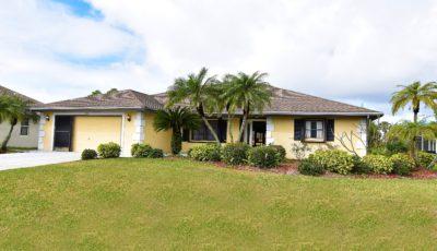 523 Hallcrest Terrance, Port Charlotte, FL 33954
